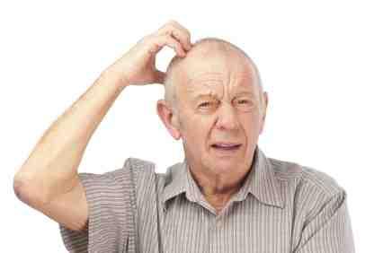 Những người bị chóng mặt khi đứng lên ở tuổi trung niên có thể bị sa sút trí tuệ khi về già