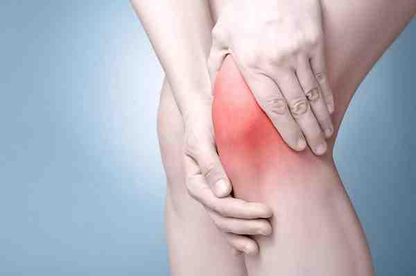Tại sao về mùa lạnh hay đau xương khớp
