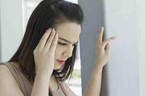 Có nên dùng hormon Estrogen nữ cho người mãn kinh?