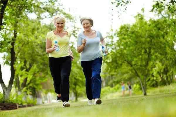 Vận động vừa phải tốt cho sức khỏe và giúp sống lâu